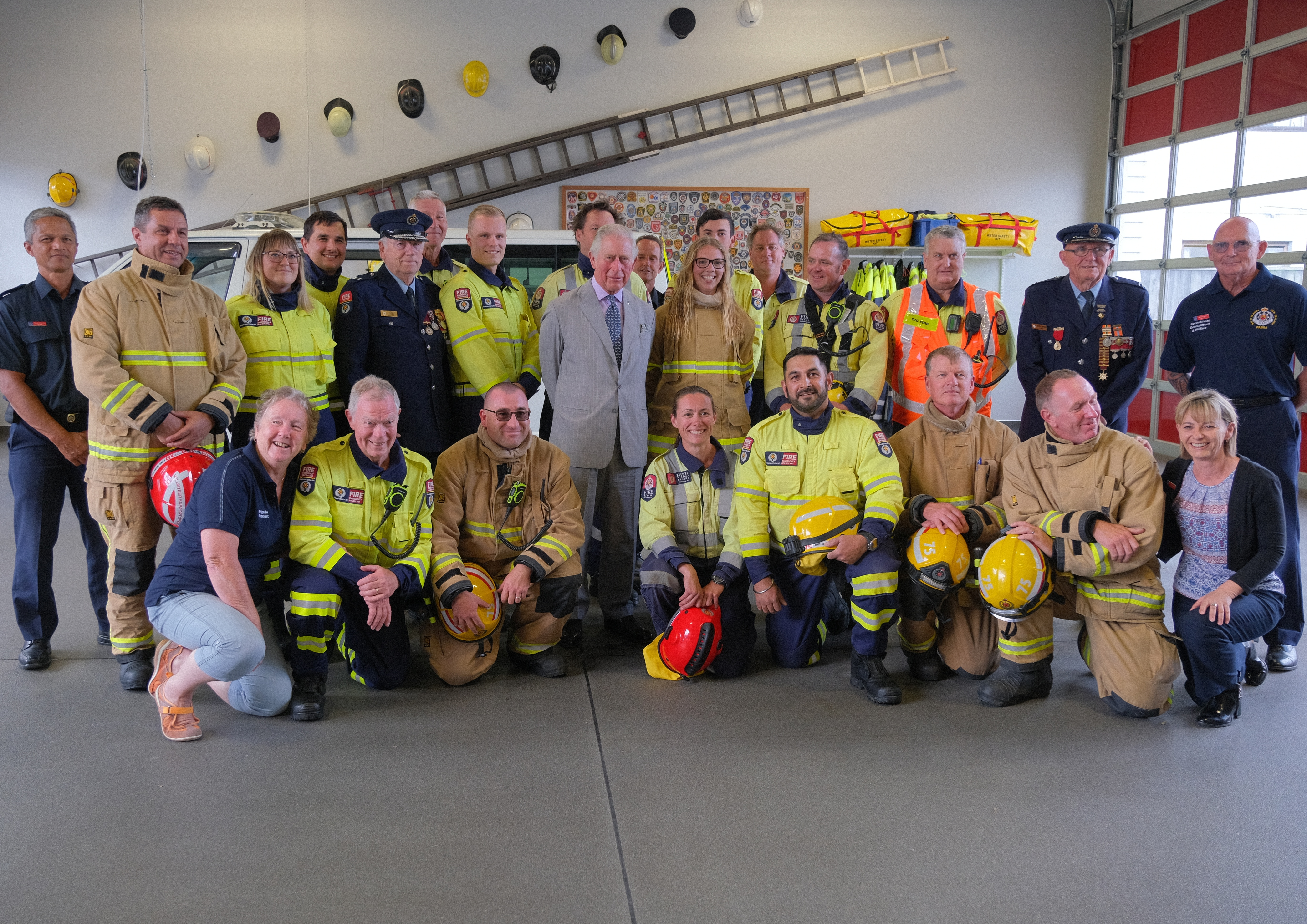 The Prince of Wales meets firefights in New Zealand
